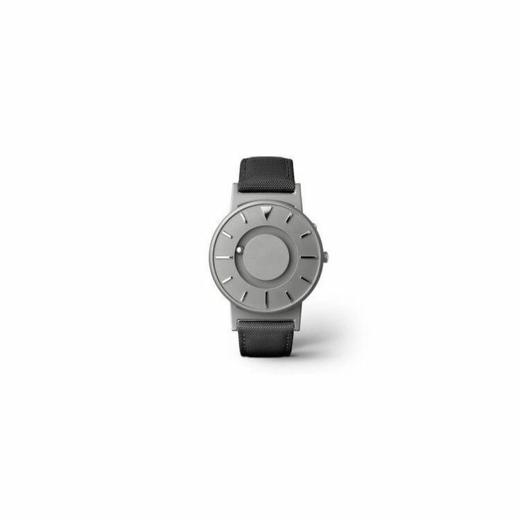Horloge met voelbare aanduiding ST643088